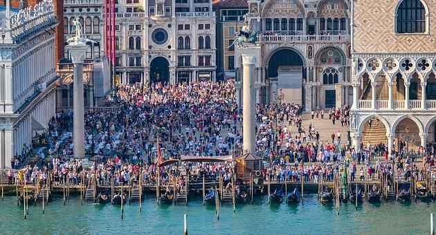 foule à Venise
