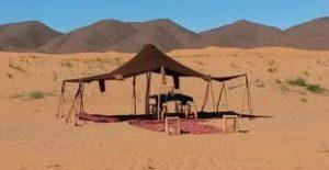 Tente désert illustration locations vacances
