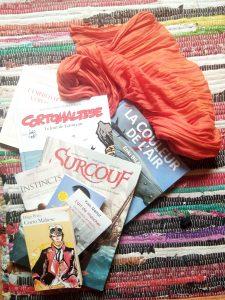 ambiance tapis foulard livres illustration Étonnants Voyageurs